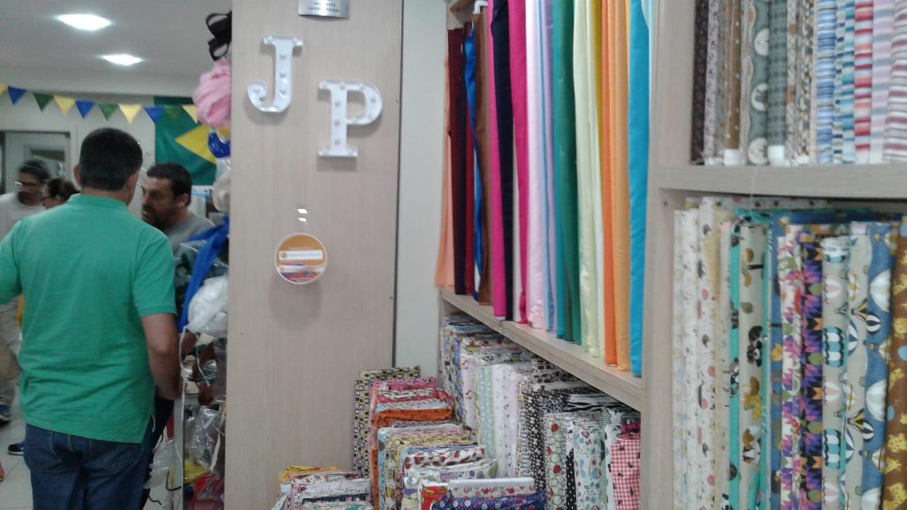 Na JP Têxtil Tecidos Fernando Maluhy Ganham destaque com Wobblers